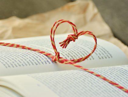 Ein Buch mit Kordel