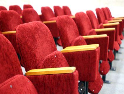 Sessel eines Kinosaals