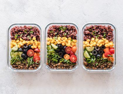 Meal Prep mit Salat