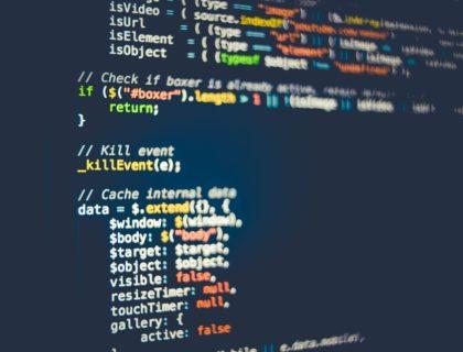 Code auf Bildschirm