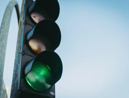 Ampel mit grünem Licht